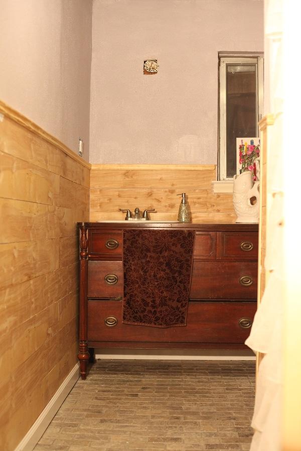 hall bath 8