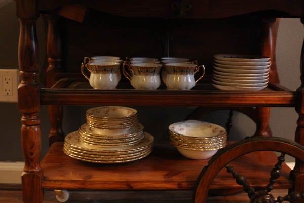 antique tea cart (4 of 5)