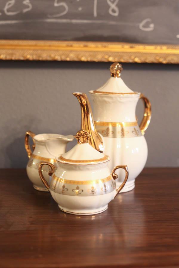 antique tea cart (8 of 8)