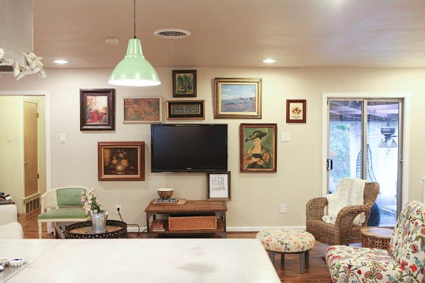 living-room-gallery-wall 1