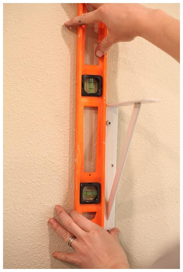 how to hang open shelving_0006