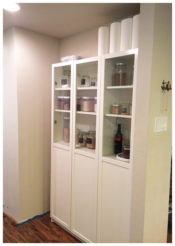 Easy diy freestanding pantry with doors from a billy bookcase for Billy libreria ikea
