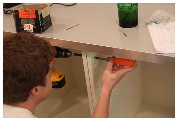 installing ikea akurum cabinets_0010
