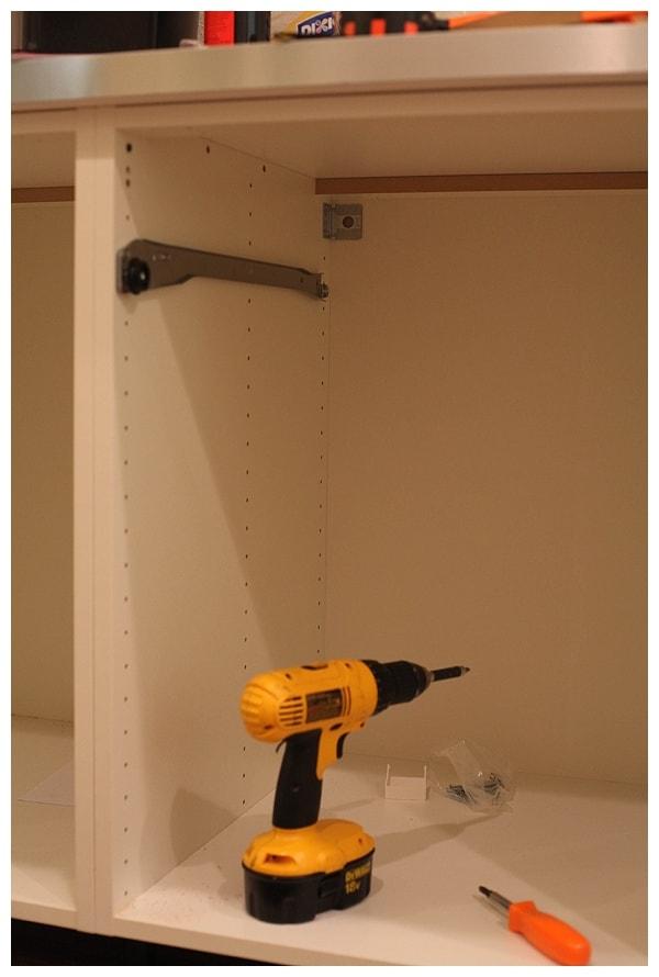 installing ikea akurum cabinets_0017