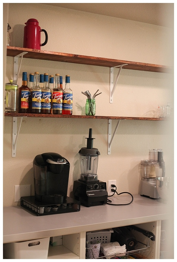open shelving in kitchen pantry_0001