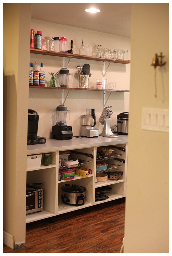 ... open shelving in kitchen pantry_0007 ...