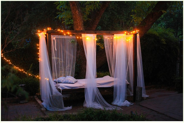 diy-outdoor-swinging-bed_053