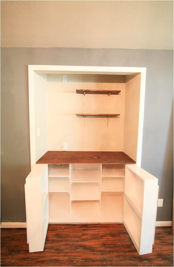 Creating Custom Built In Cabinets