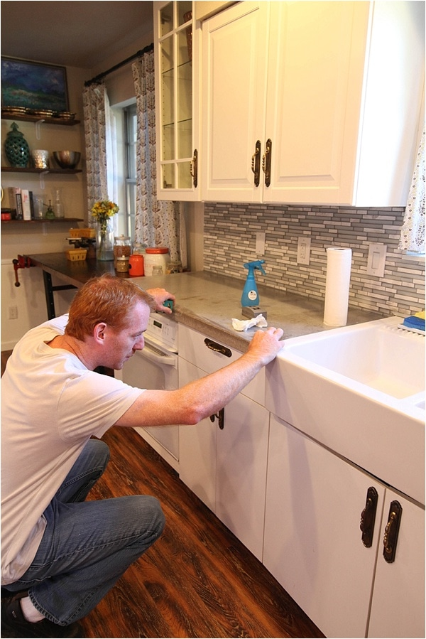 how to reseal and remove stains from concrete countertops_0007