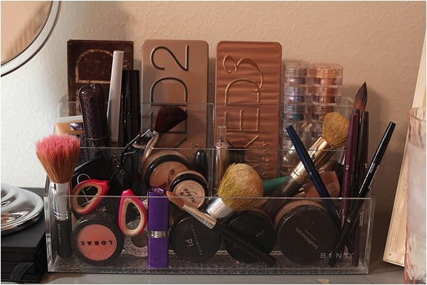 easy makeup and jewelry storage_0009