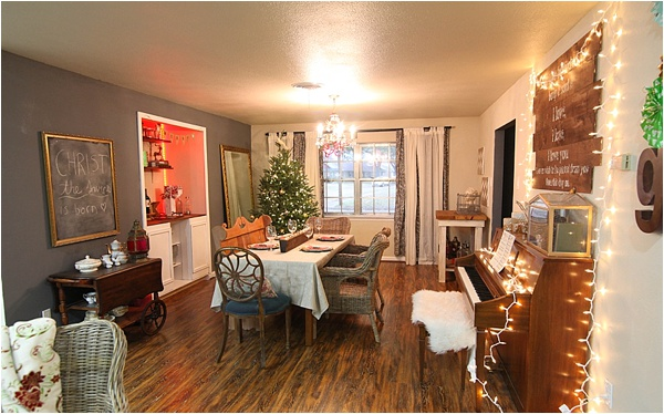 Christmas decorating ideas and home tour from www.runtoradiance.com_0001