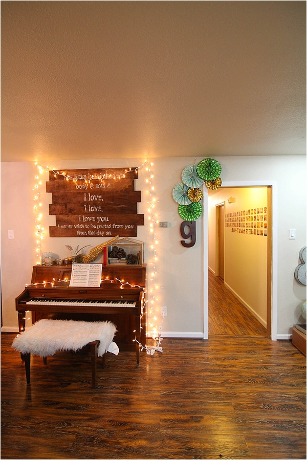 Christmas decorating ideas and home tour from www.runtoradiance.com_0006