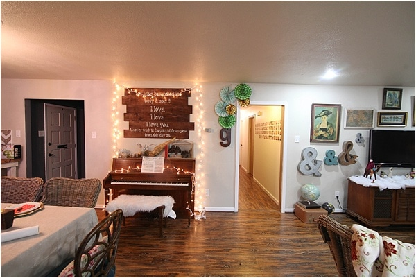 Christmas decorating ideas and home tour from www.runtoradiance.com_0007