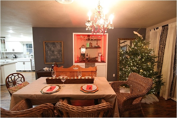 Christmas decorating ideas and home tour from www.runtoradiance.com_0012