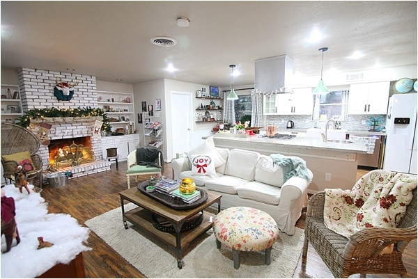 Christmas decorating ideas and home tour from www.runtoradiance.com_0024