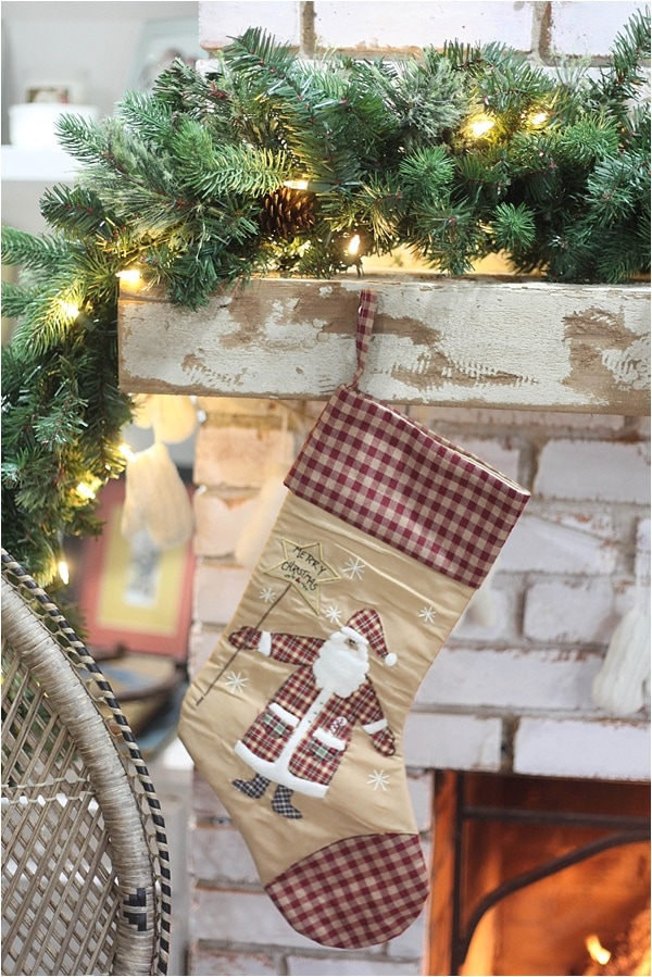 Christmas decorating ideas and home tour from www.runtoradiance.com_0031