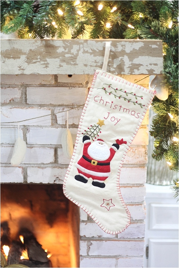 Christmas decorating ideas and home tour from www.runtoradiance.com_0032