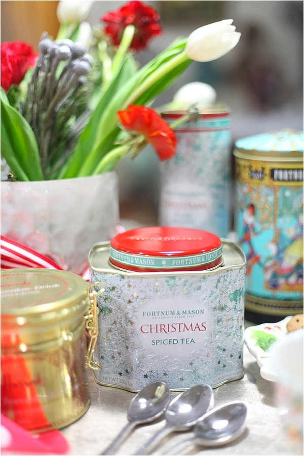 Christmas decorating ideas and home tour from www.runtoradiance.com_0040