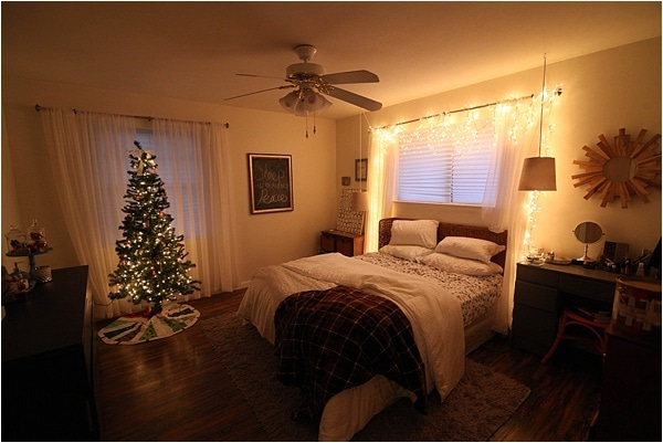 Christmas decorating ideas and home tour from www.runtoradiance.com_0052