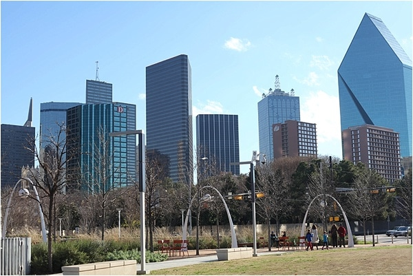 Dating Dallas: Klyde Warren Park