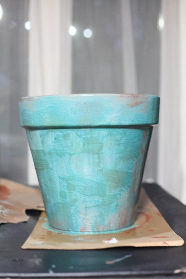 create distressed finish with modern masters metallic effects paint! check it out at www.runtoradiance.com_0017