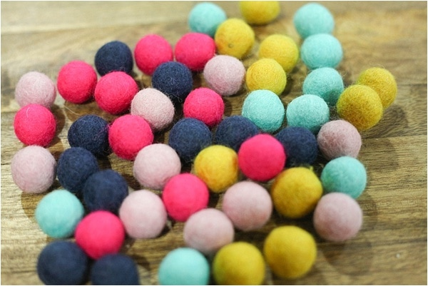 easy felt ball garland_0002
