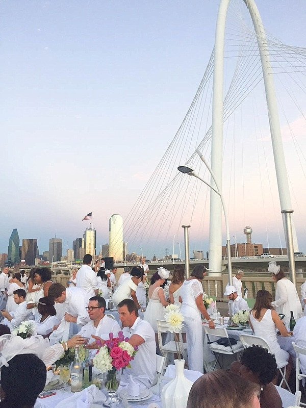 Diner en Blanc Dallas was a huge success! Check out these gorgeous photos. What a beautiful event._0001