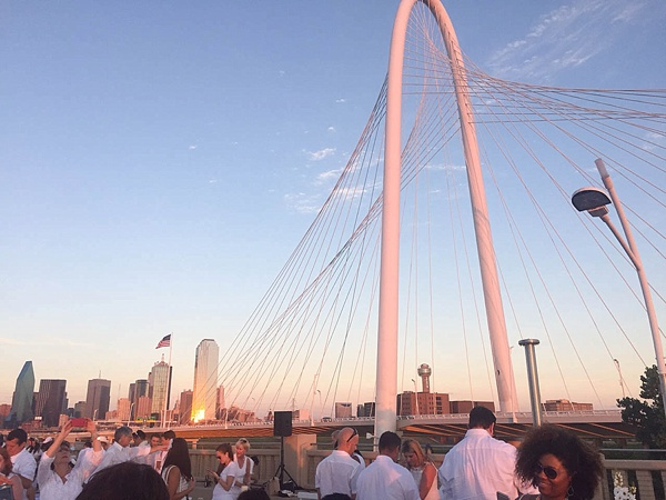 Diner en Blanc Dallas was a huge success! Check out these gorgeous photos. What a beautiful event._0005