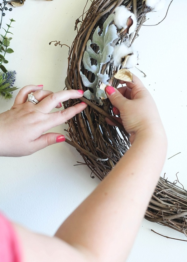 This easy DIY Fall wreath from www.runtoradiance.com is so cute and can be put together in under an hour. Love it!_0009