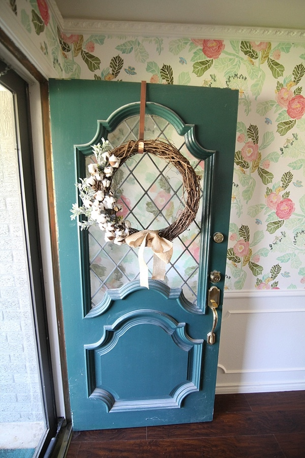 This easy DIY Fall wreath from www.runtoradiance.com is so cute and can be put together in under an hour. Love it!_0014