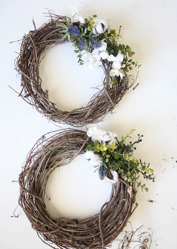 This easy DIY Fall wreath from www.runtoradiance.com is so cute and can be put together in under an hour. Love it!_0017