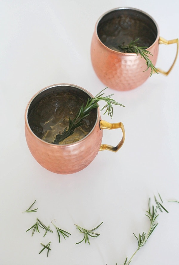 best fall cocktail! It has gin, ginger liqueur, rosemary. Looks so cute and festive in the copper mug. Recipe from www.runtoradiance.com._0015