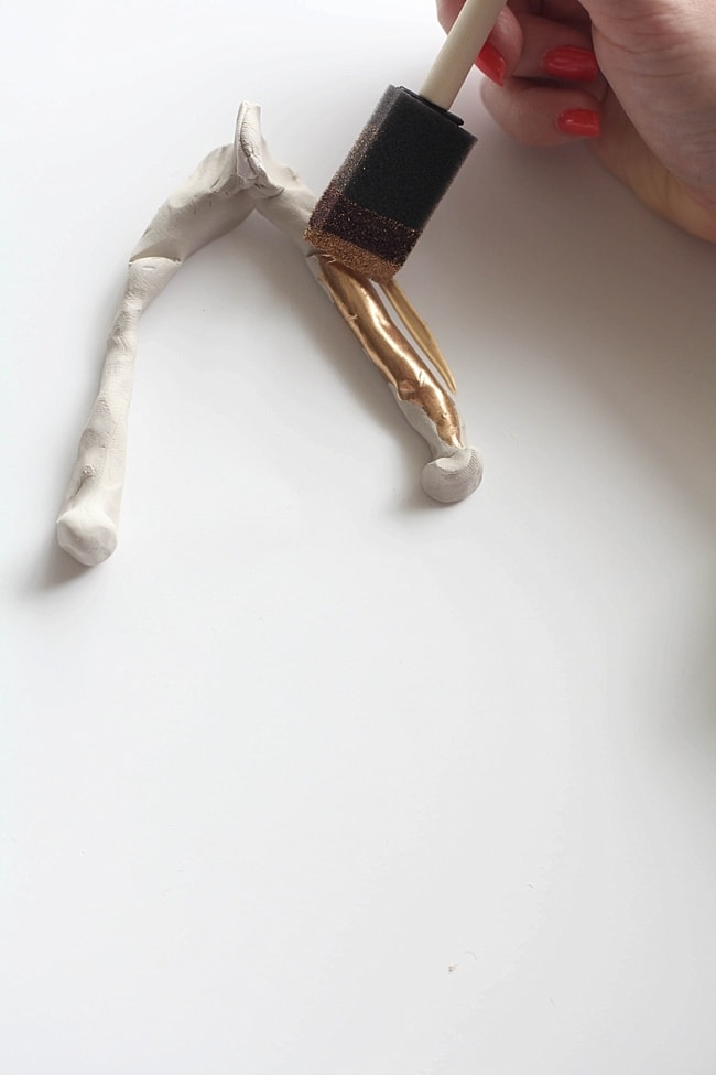 An easy to make DIY gold-leaf wishbone. Never fight over who gets to break it again!_0015