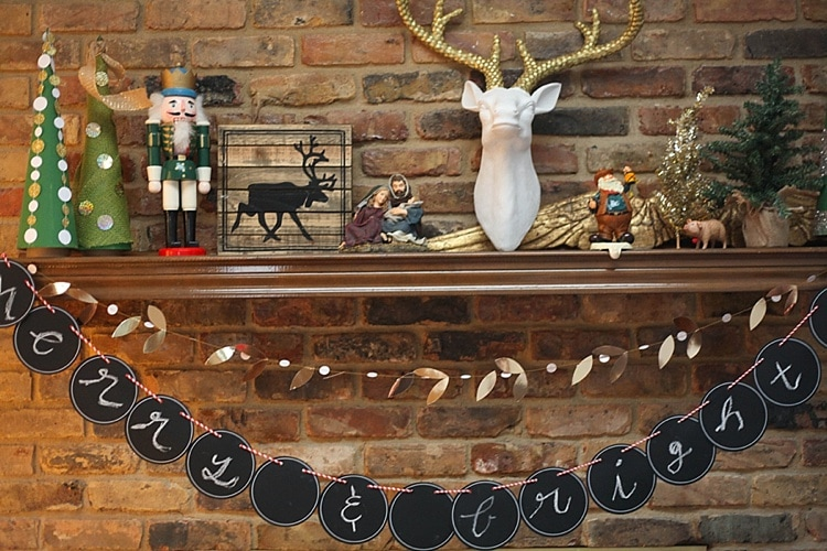 Love this simple and rustic Christmas decor!_0010