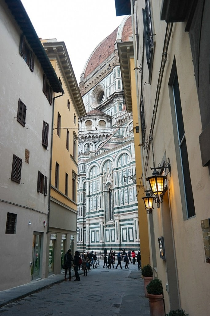 Florence, Italy travel guide! So many great pics and places to go—definitely pinning this one for later! #florence #italy #goitaly #europe
