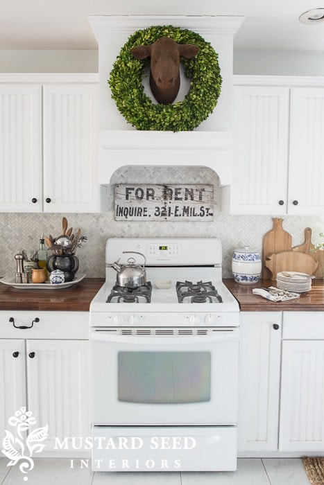 Loving the look of white appliances in kitchen! So glad they are back in!