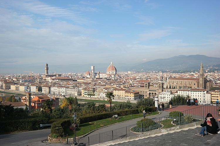 Piazza de Michelangelo! Florence, Italy travel guide. So many great pics and places to go- definitely pinning this for later to plan my trip!