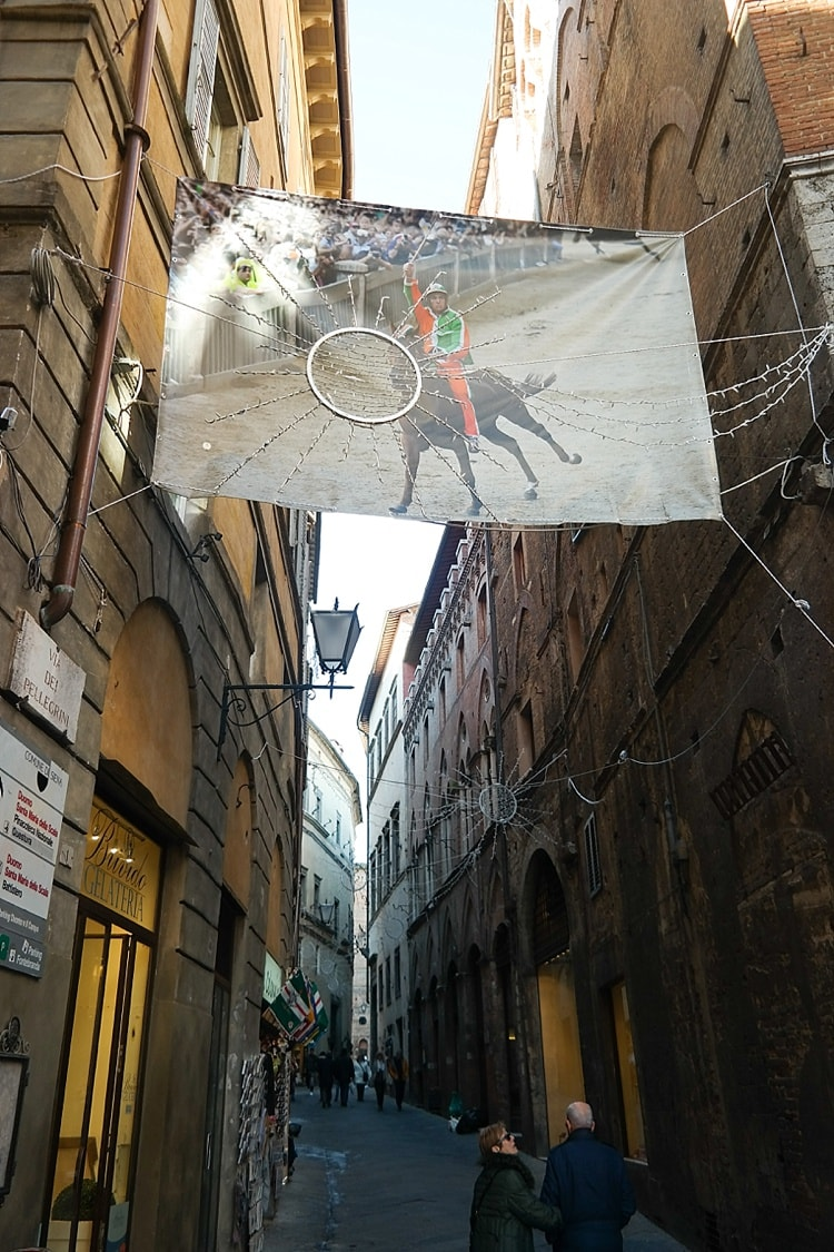 Siena, Italy travel guide. What a beautiful part of Tuscany! I've wanted to go here ever since that documentary about the famous horse races came out!