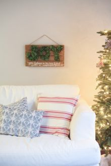 Easy Christmas Craft – JOY Sign