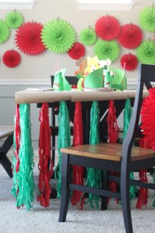 Easy DIY: Create a Christmas Table for Kids