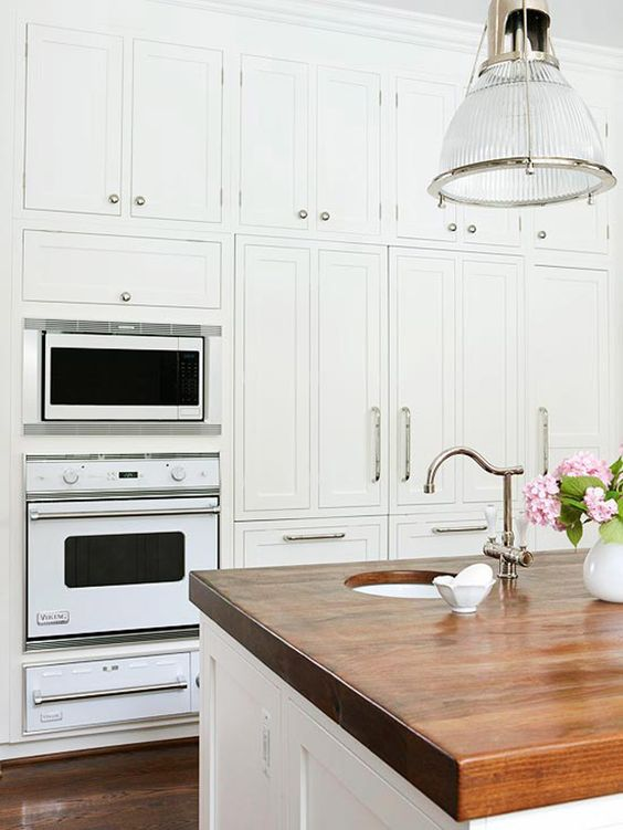 Yes, these are LAMINATE countertops! What? These are gorgeous and cheap countertops.