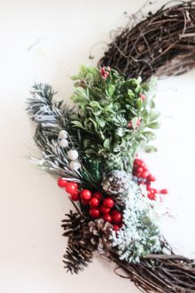 Easy DIY Christmas Wreath – How to Make a Christmas Wreath from Scratch