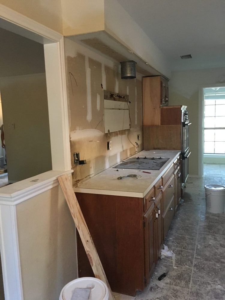 I have a small galley kitchen and have been looking for small kitchen layout on a budget ideas and tips. This Galley kitchen remodel is budget friendly and looks pretty easy!