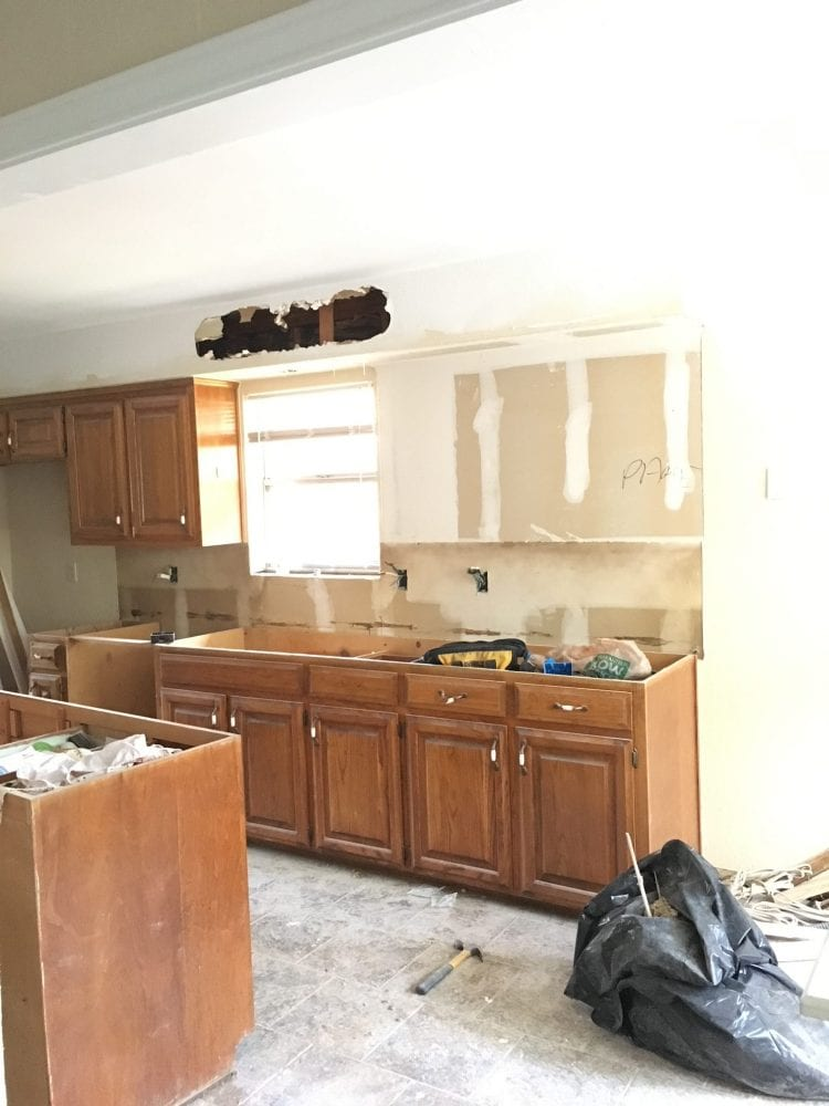 Galley kitchen remodel small kitchen layout on a budget for Small kitchen remodels on a budget