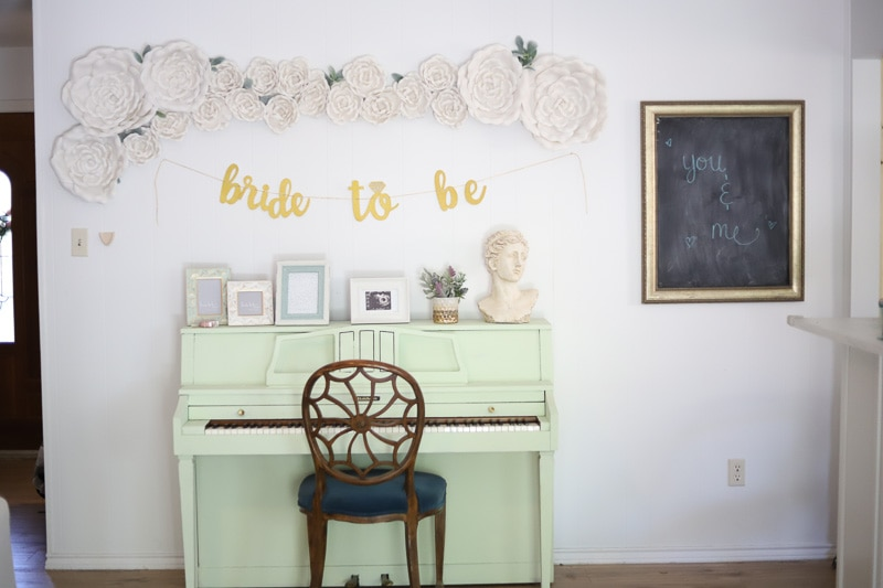 living room decorating idea - wall full of flowers