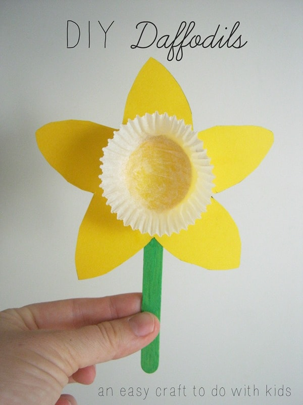 diy daffodil easter toddler craft