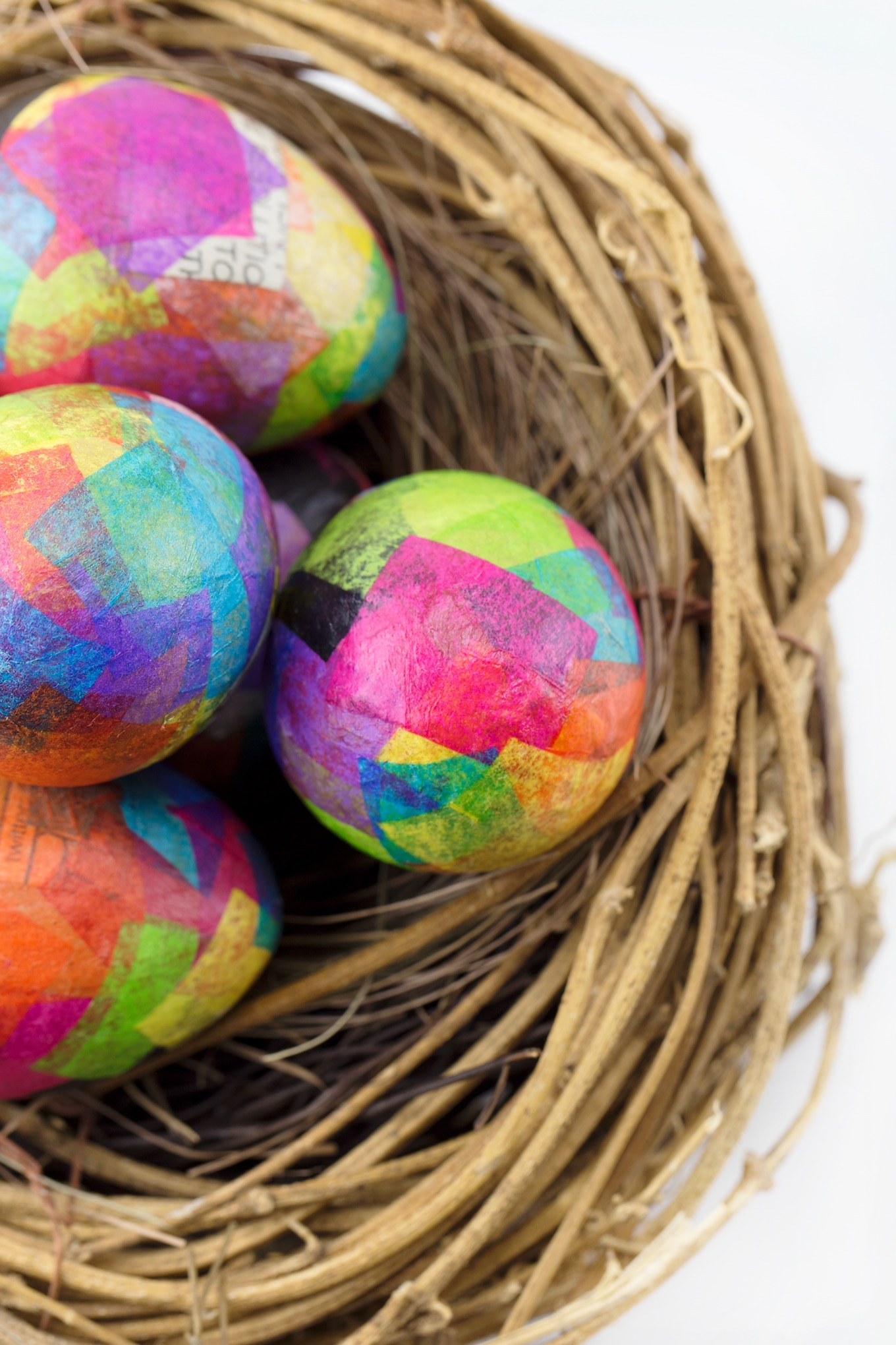 Paper machier Easter eggs