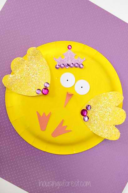 Cute easter chick made out of a paper plate