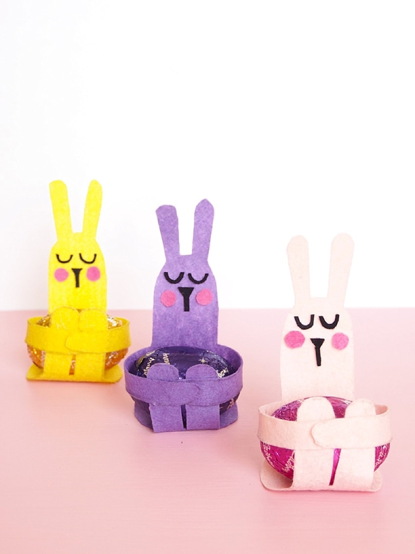 Cute easter craft for kids - diy bunnies with paper