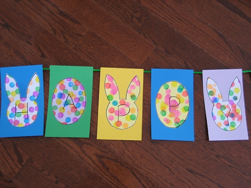 Easy easter craft for toddlers - cute free coloring printables with bunnies and eggs